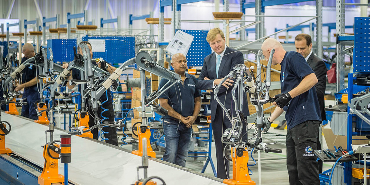 Gazelle inaugure l usine de v lo la plus moderne au monde holland bikes - Usine de meuble au portugal ...