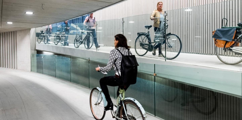 Le plus grand parking à vélos du monde ouvre à Utrecht aux Pays-Bas !