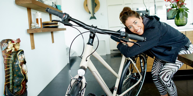 5 astuces spéciales femmes à vélo